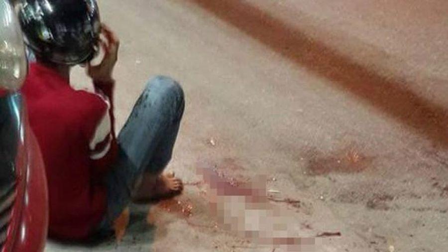 TP.HCM: Nam thanh niên bị chém đứt gần lìa tay vì mâu thuẫn với nhóm đòi nợ