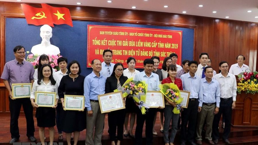 Ra mắt trang tin Đảng bộ Sóc Trăng, trao giải Búa liềm vàng cấp tỉnh