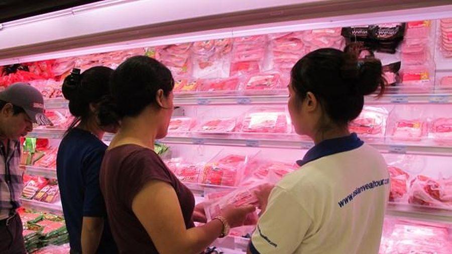 Giá thịt lợn biến động: Nguồn cung có bị doanh nghiệp lớn thao túng?