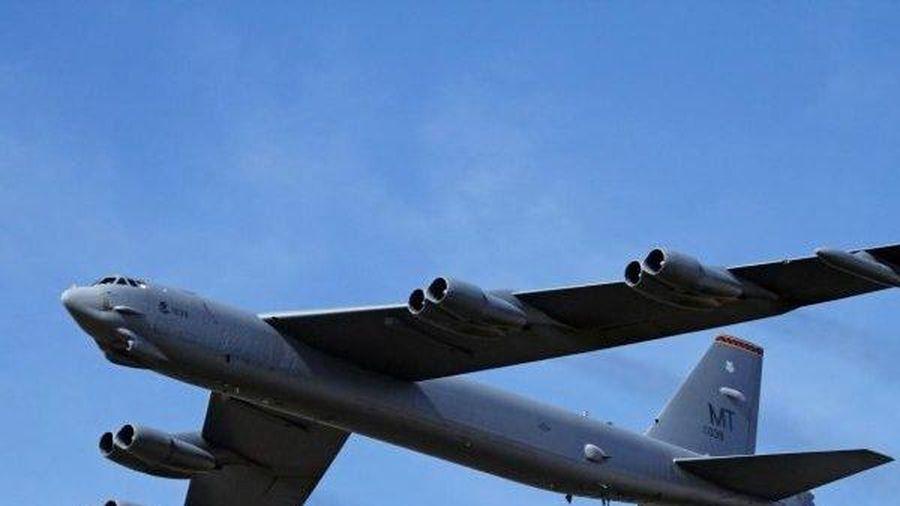 Chiến sự Syria: Lởn vởn gần căn cứ Hmeimim, máy bay ném bom B-52 của Mỹ khiến S-400 của Nga giương nòng sẵn sàng nhả đạn?
