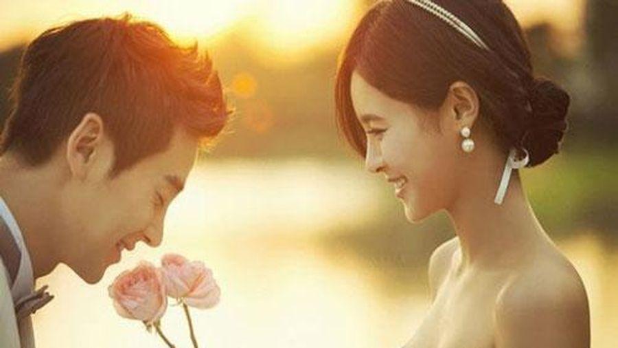 Vì sao phụ nữ không nên lấy chồng là 'trai cúi mặt'?