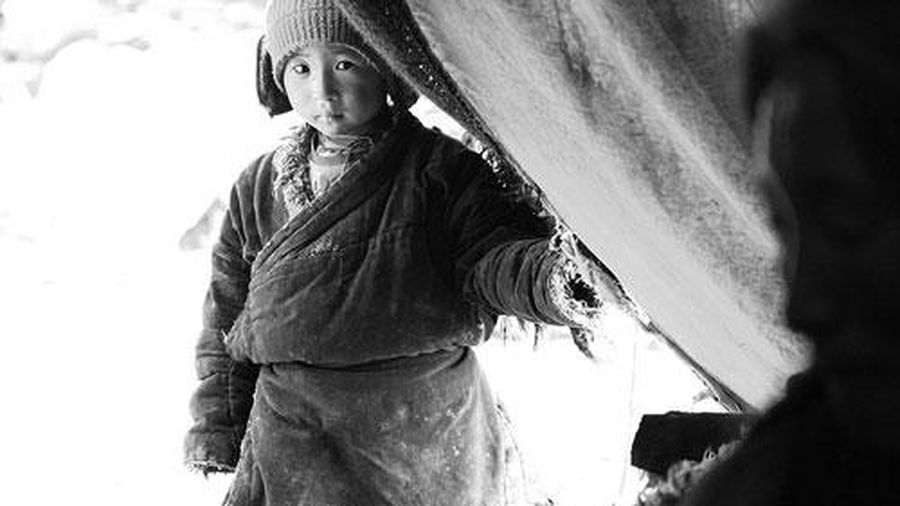 Cuộc sống không tiền, không công nghệ của bộ tộc ở Himalaya