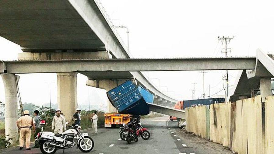Xử lý nghiêm vụ sập dầm cầu vượt bộ hành trên xa lộ Hà Nội