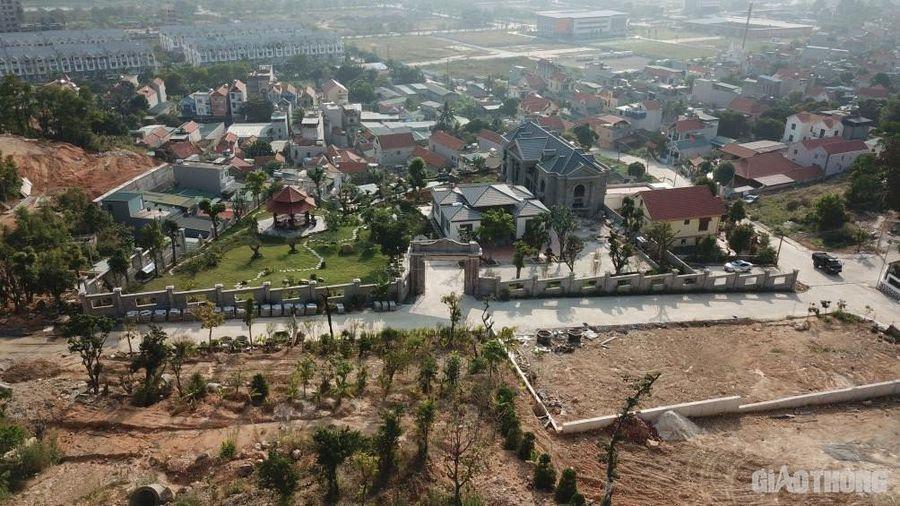 'Xóm biệt thự' không phép ở Quảng Ninh: Chính quyền địa phương nói gì?