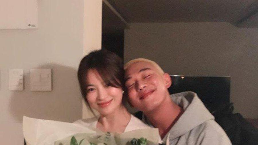 Song Hye Kyo ăn sinh nhật bên Yoo Ah In: Ngọt ngào tựa đầu vào nhau!