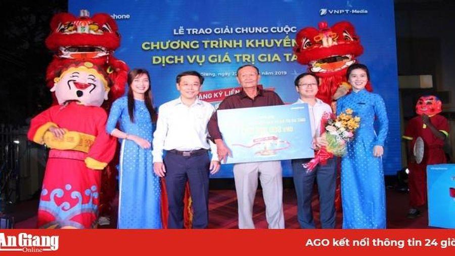 VNPT An Giang trao thưởng cho khách hàng trúng 1 tỷ đồng Chương trình 'Đăng ký liền tay trúng ngay 1 tỷ'