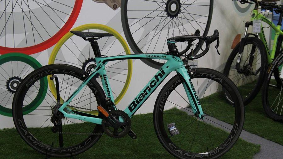 Siêu xe đạp Bianchi Oltre XR4 công nghệ vũ trụ giá gần nửa tỷ đồng tại Việt Nam