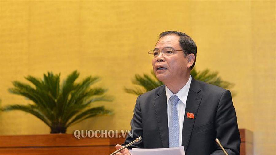 Bộ trưởng Bộ Nông nghiệp và Phát triển nông thôn giải trình về dự án Luật sửa đổi, bổ sung một số điều của Luật Phòng, chống thiên tai và Luật Đê điều