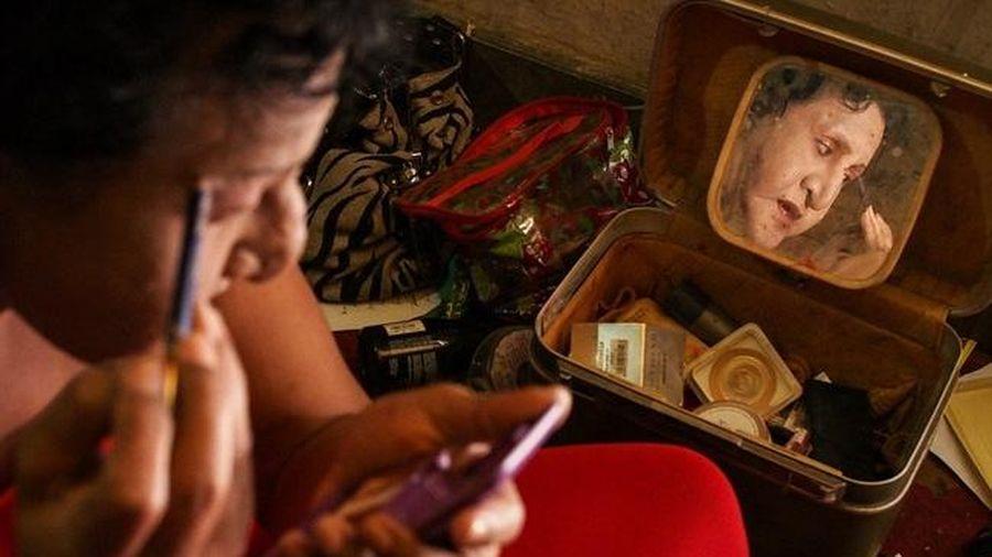 Nhiều công dân Indonesia bị cấm xin việc vì là người chuyển giới