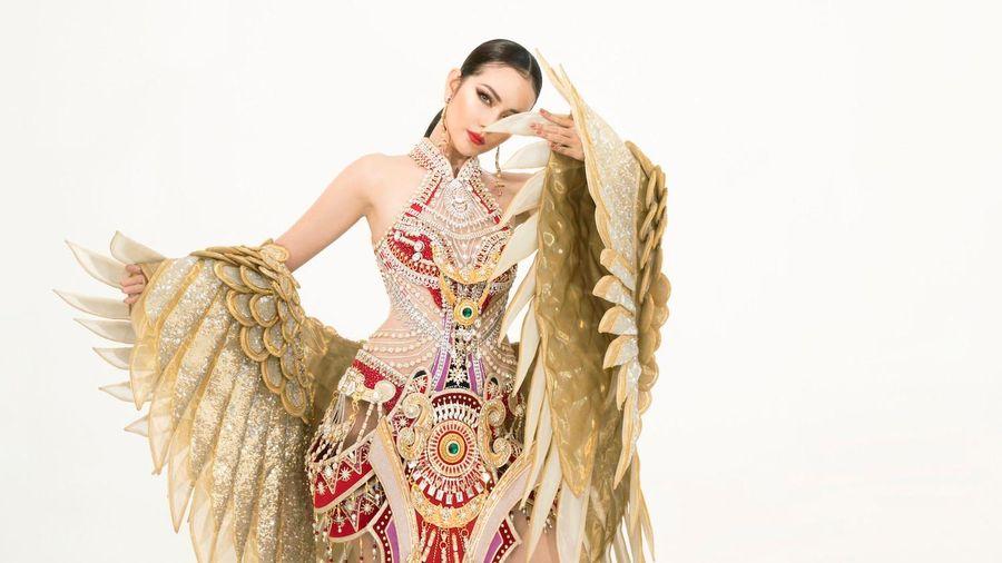Ngọc Châu mang trang phục dân tộc gợi cảm tới Miss Supranational
