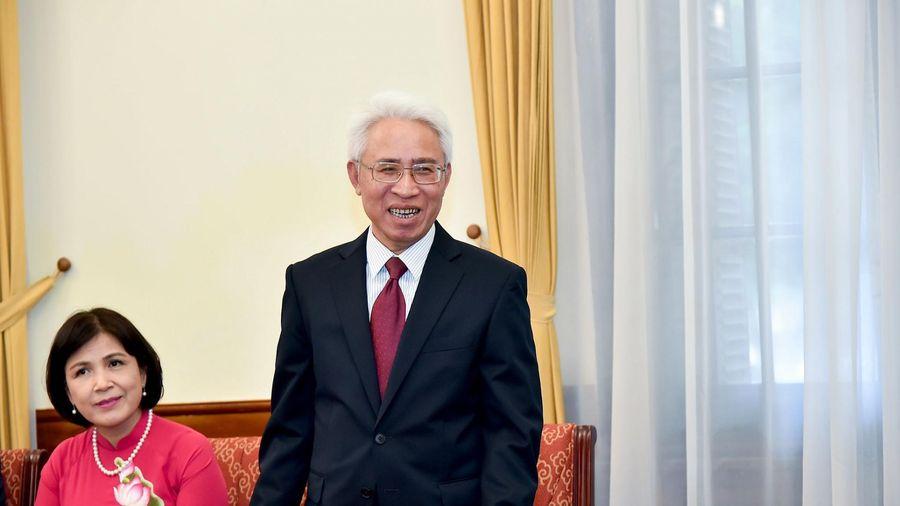 Đại sứ Việt Nam tại Trung Quốc Phạm Sao Mai trình Quốc thư