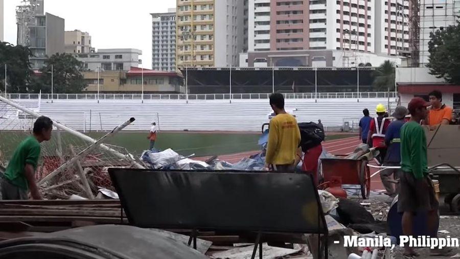 Sân bóng SEA Games 30 ngổn ngang trước ngày U22 Việt Nam thi đấu