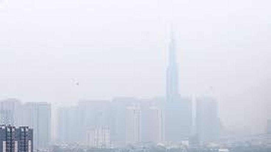 Không khí ô nhiễm, mù bao trùm TP.HCM nhiều ngày