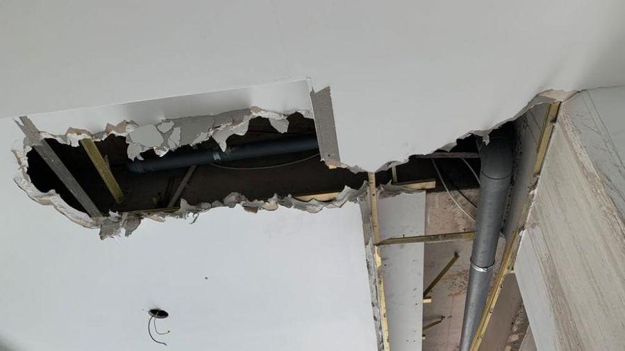 Cảnh xập xệ trong chung cư Đại Thành xây 10 năm chưa xong, dân 'bán mạng' vào ở