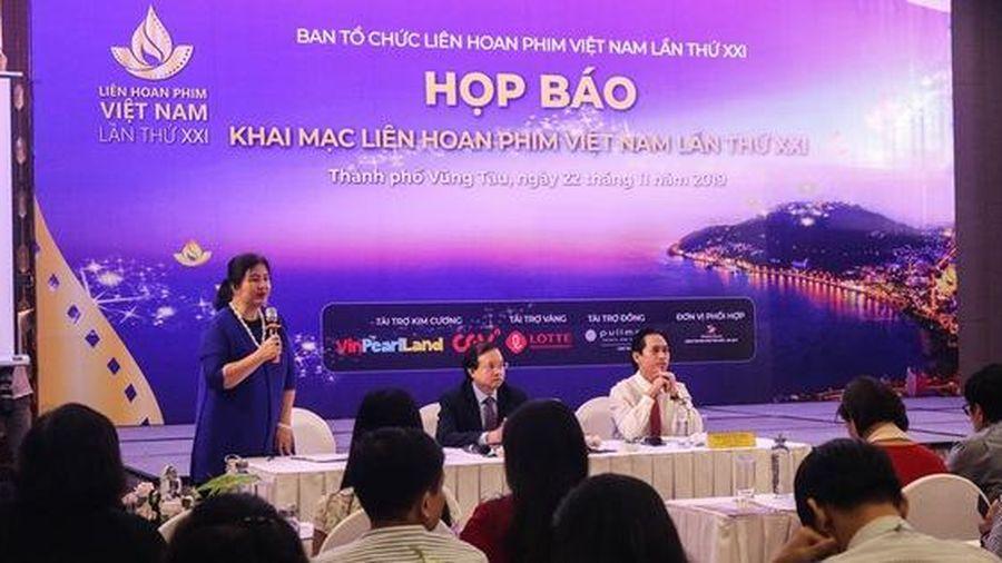Báo chí đồng loạt đưa tin về sự kiện 'Khai mạc Liên hoan phim Việt Nam lần thứ 21'