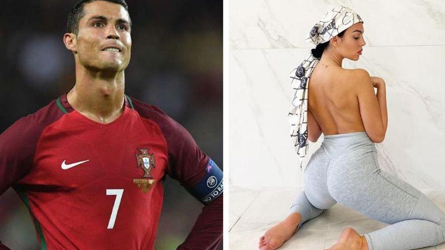 Bạn gái đăng ảnh hở bạo chưa từng có, fan lập tức náo loạn, nhắc tên Ronaldo rần rần