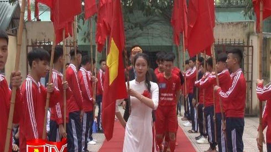 Các đội tuyển đã sẵn sàng cho trận chung kết Giải bóng đá học sinh THPT Hà Nội báo ANTĐ lần thứ XIX