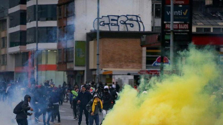 Colombia áp đặt lệnh giới nghiêm ở Thủ đô Bogota, triển khai 20.000 cảnh sát chống biểu tình
