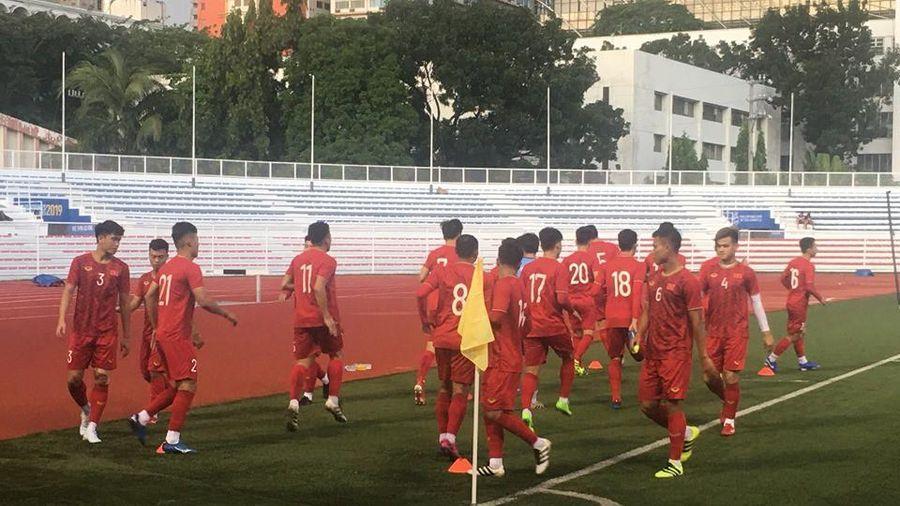 U-22 Việt Nam tập làm quen sân Rizal Memorial