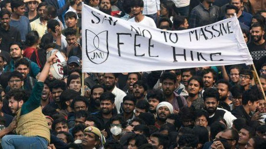 Biểu tình bùng nổ vì ký túc xá đại học tăng giá 1.500% ở Ấn Độ