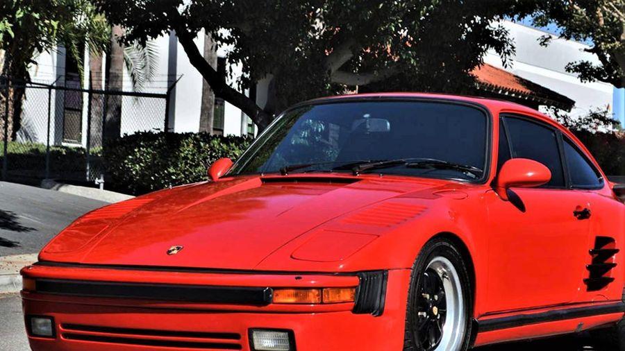 Hàng hiếm Porsche 911 đời 1979 độ ngoại thất của 930 Turbo