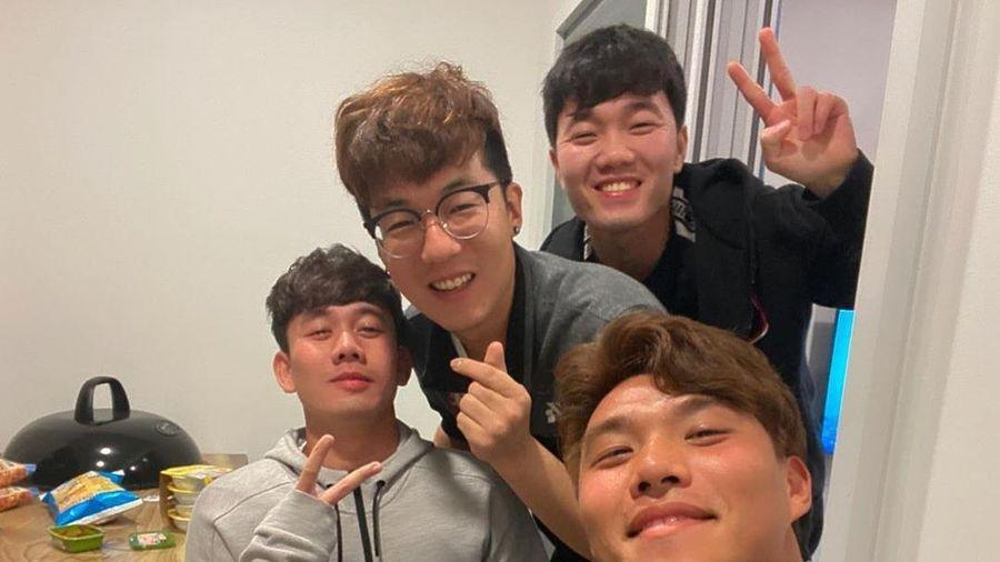 Xuân Trường rạng rỡ khi gặp lại đồng đội cũ tại Hàn Quốc