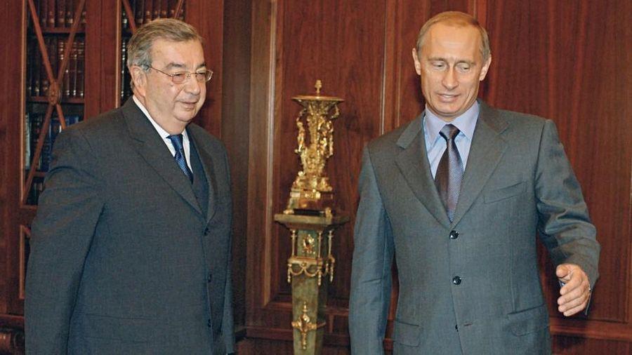 Ông Putin suýt 'rớt đài' trước khi thành tổng thống năm 2000