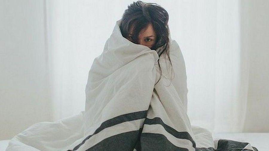 Luôn thấy lạnh hơn người khác, bạn có thể đang mắc bệnh