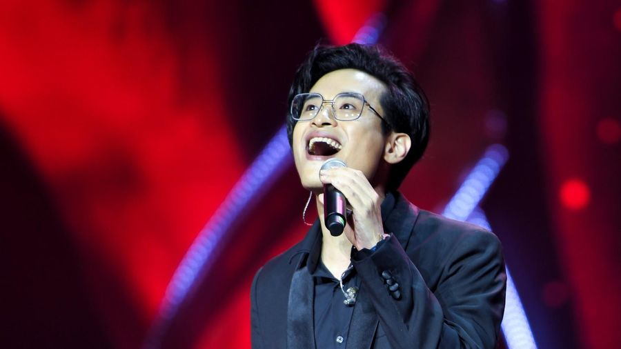 Khi Hà Anh Tuấn 'hát ké', Thu Phương khóc