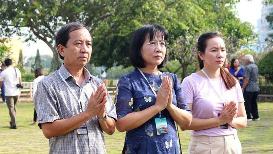 Đoàn đại biểu LHP Việt Nam lần thứ XXI dâng hương tưởng niệm các anh hùng liệt sĩ