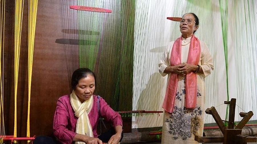 Tìm hiểu về tơ lụa trong chương trình 'Tiếng tơ'