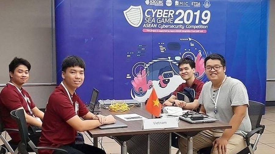 Bốn sinh viên mang về giải nhì cho Việt Nam tại cuộc thi An toàn thông tin khu vực ASEAN 2019