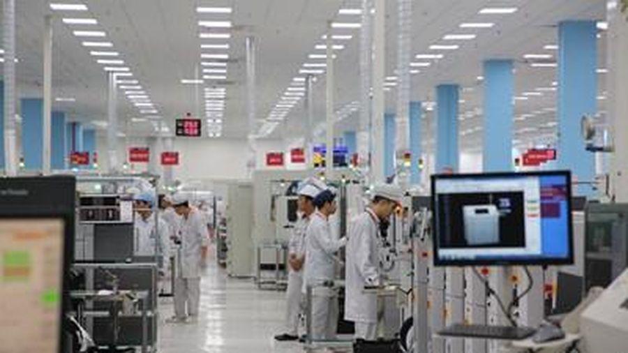 Bên trong nhà máy sản xuất thiết bị điện tử VinSmart