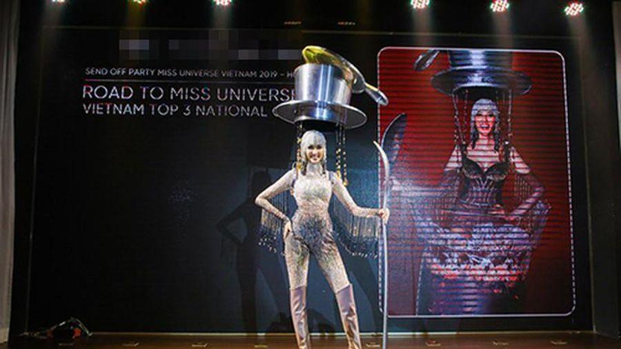 'Cafe phin sữa đá' có giúp Hoàng Thùy rinh giải Miss Universe 2019?