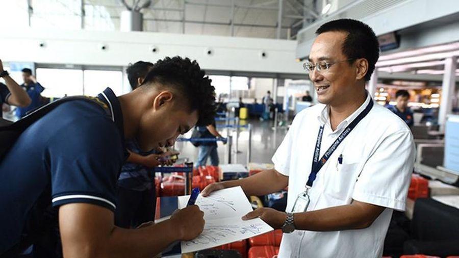 U22 Việt Nam lên đường tham dự SEA Games 30: Hãy để ý mái tóc Đức Chinh
