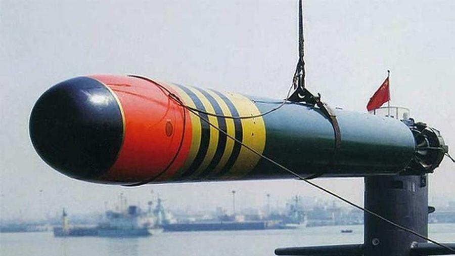 Ảnh cực hiếm về tàu ngầm 'cổ lỗ sĩ' Type 035 Trung Quốc khoe ngư lôi