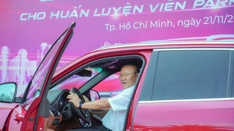 'Soi' 4 xe hơi quà tặng của HLV Park Hang-seo dẫn dắt tuyển Việt Nam