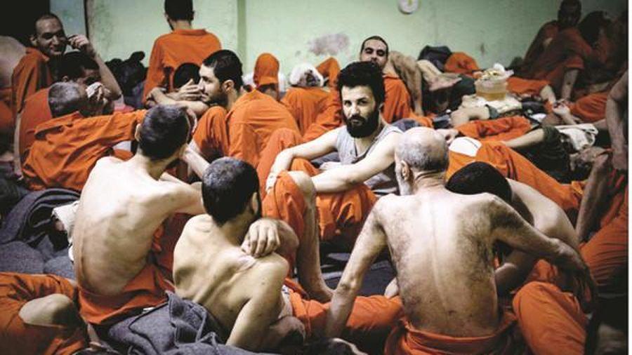 Nhà tù nhốt hơn 1 vạn phạm nhân khủng bố IS ở Syria: Tiềm ẩn nguy cơ vượt ngục
