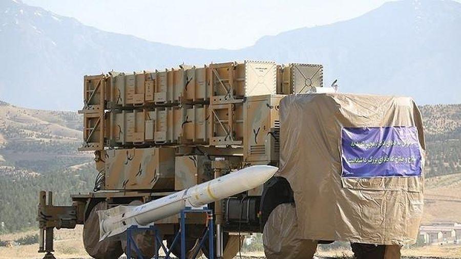 Iran thử thành công hệ thống phòng thủ tên lửa mới