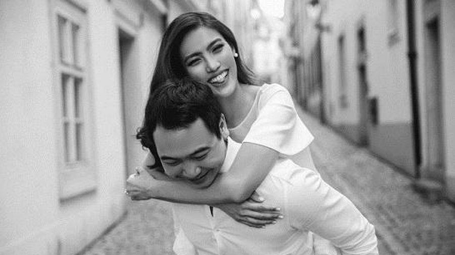 Vợ chồng siêu mẫu Lan Khuê - John Tuấn Nguyễn hạnh phúc chào đón con đầu lòng