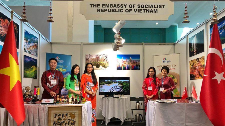 Tưng bừng gian hàng Việt Nam tại Triển lãm Du lịch Quốc tế Ankara lần thứ 4
