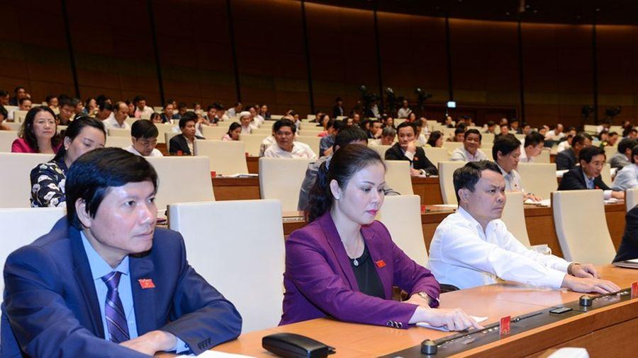 Quốc hội biểu quyết thông qua các luật quan trọng