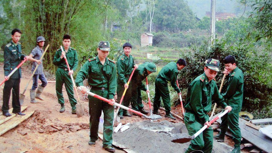 Xây dựng đơn vị an toàn gắn với xây dựng địa bàn vững mạnh