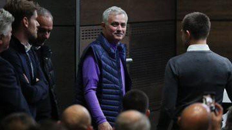Thông tin mới nhất về trận West Ham vs Tottenham: Chờ tài Mourinho