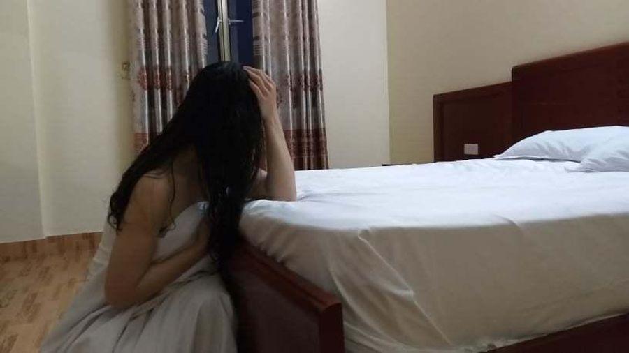 Nỗi ẩn ức của người vợ phía sau lần bị chồng lừa vào nhà nghỉ
