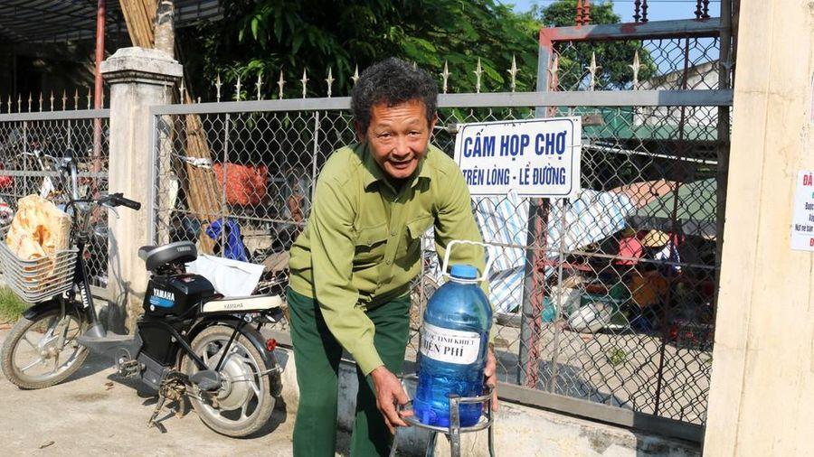 Thượng tá về hưu 5 năm cấp nước uống miễn phí, bố trí cân chuẩn ở chợ quê