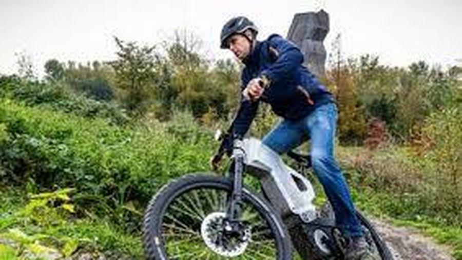 Đan Mạch phát triển xe đạp dùng cho quân nhân, một lần xạc chạy được 200km