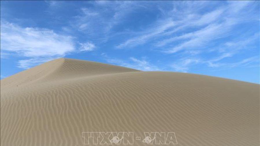 Khám phá vẻ đẹp đồi cát Nam Cương