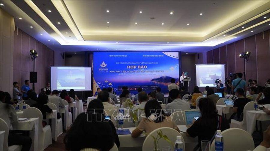 Khai mạc triển lãm 'Biển đảo Việt Nam qua góc nhìn điện ảnh'