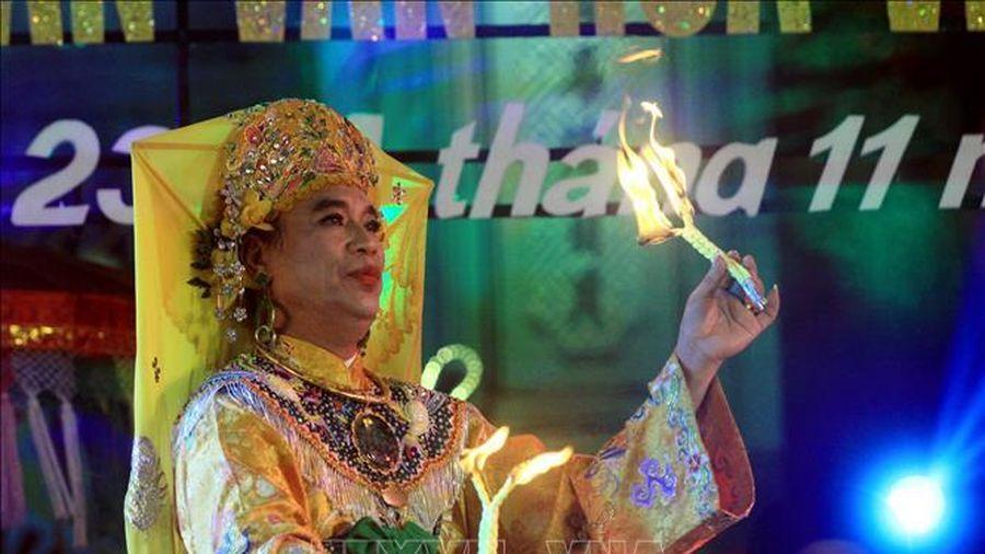 Thái Bình: Lần đầu tiên tổ chức Liên hoan hát văn, chầu văn
